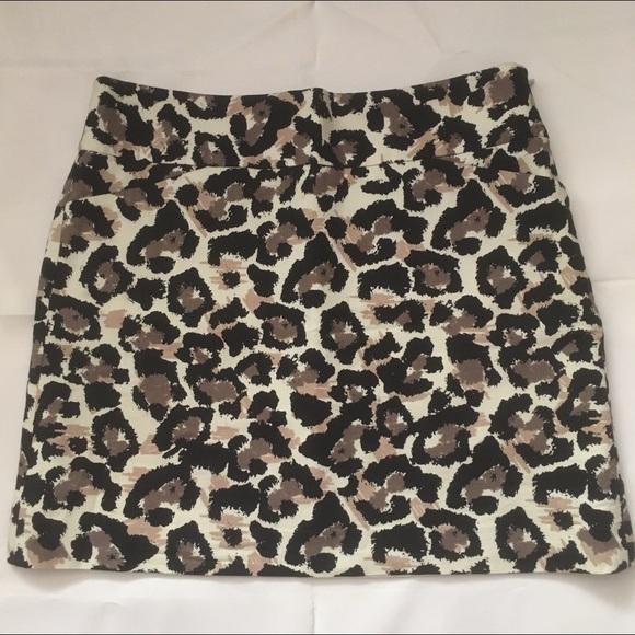 Loft Cotton leopard print mini skirt with lining.